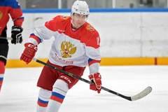 Xem Putin chơi khúc côn cầu mở đầu năm mới