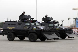 Hình ảnh xe bọc thép chống đạn bảo vệ Đại hội Đảng