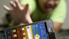 Vợ đau đầu lo tiêu Tết, chồng nằng nặc đòi mua smartphone