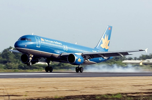 Đang bay, Vietnam Airlines phát hiện trục trặc ở lốp