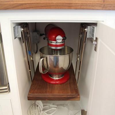 20160108163912 image017 Chia sẻ các thiết kế kệ tủ lưu trữ sáng tạo và tiết kiệm không gian cho căn bếp gia đình