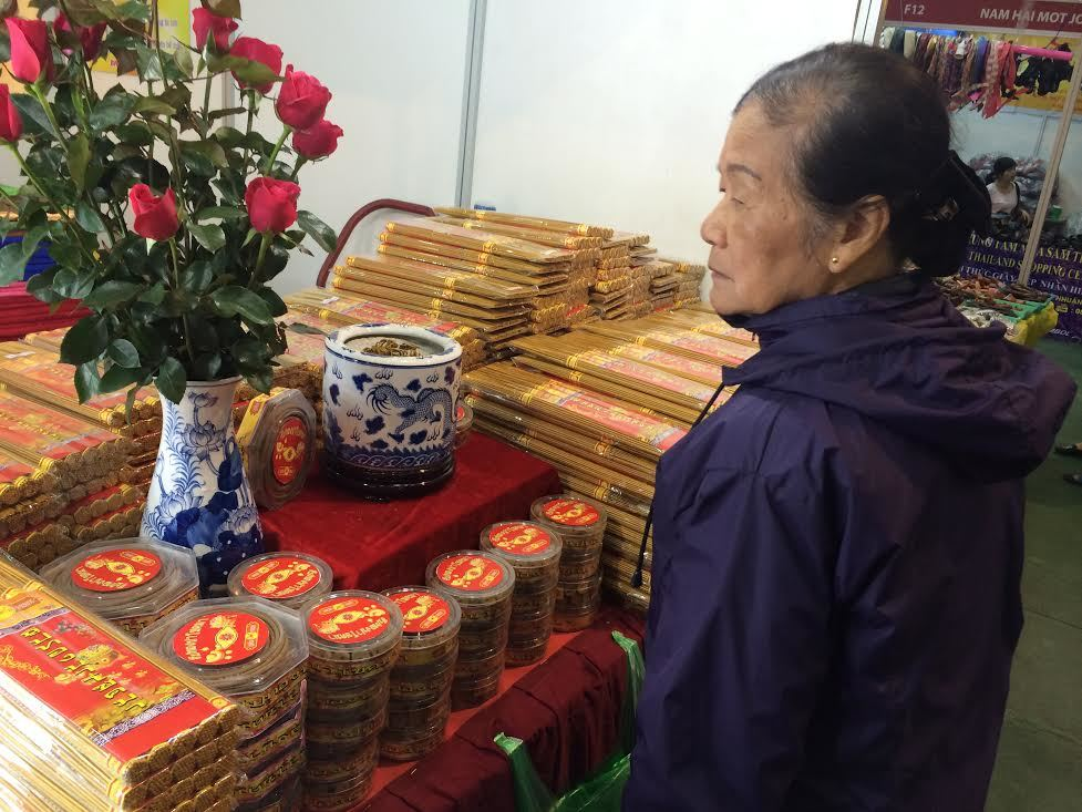 Bánh chưng nếp Thái, hương 'made in Thailand' cúng ông bà