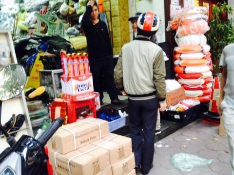 Ôtô con phải có bình cứu hỏa: Chỉ béo hàng Trung Quốc