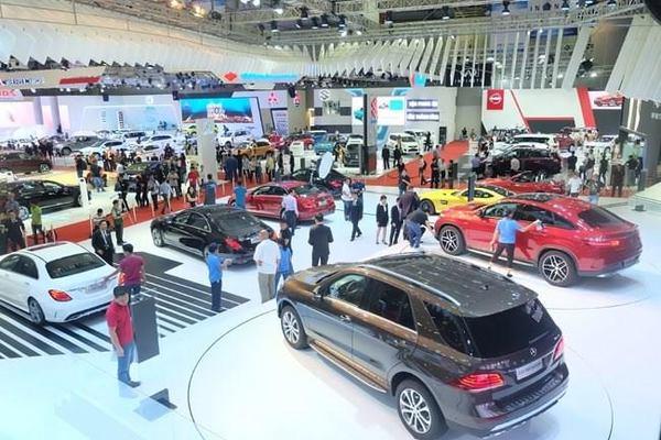 Ô tô tăng giá tỷ đồng: Choáng váng cú sốc đầu năm