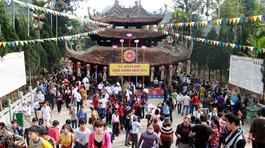 Một mùa lễ hội: Chùa Hương thu 700 tỷ