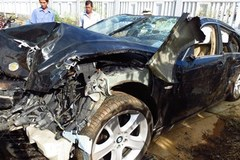 Cảnh sát giao thông đi BMW đâm chết người