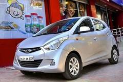 Xe hơi tại Lào rẻ hơn nhiều so với Việt Nam