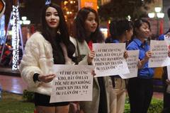 Nữ sinh gây tranh cãi với chương trình từ thiện 5 nghìn/1 cái ôm