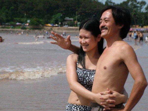 Những quý ông Việt lấy vợ trẻ kém 30 tuổi