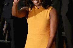 Obama vừa dứt lời, mẫu váy của vợ đã hết veo