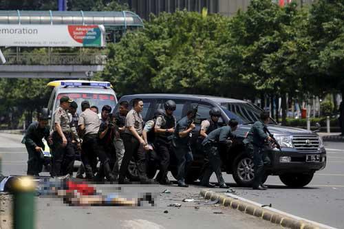Indonesia, Jakarta, hiện trường, bom, súng, đạn, nổ