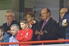Bị Real sa thải, Benitez bất ngờ trở lại Liverpool