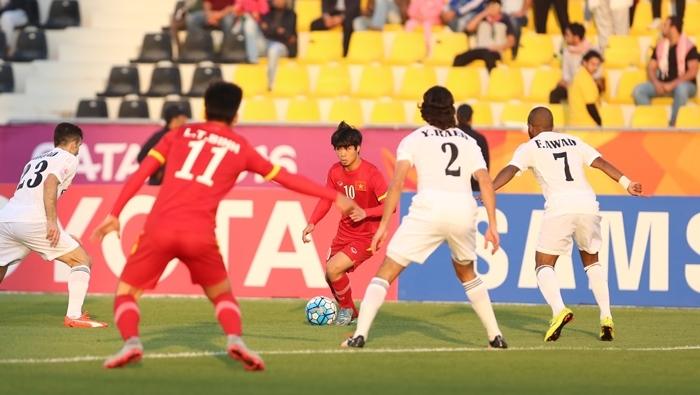 U23 Việt Nam thua đậm Jordan: Ném trứng vào đá