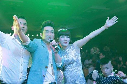 Đại gia Thái Bình chi tiền tỷ mời 50 sao hát sinh nhật vợ