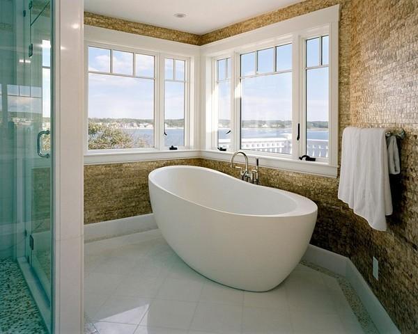 20160115162553 image012 Chia sẻ 20 phòng tắm có view nhìn ra biển đẹp mê mẩn