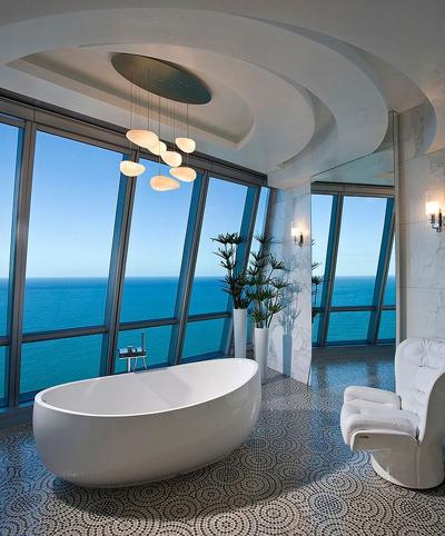 20160115162922 image015 Chia sẻ 20 phòng tắm có view nhìn ra biển đẹp mê mẩn