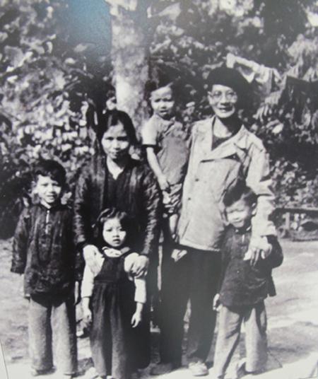 Trần Duy Hưng,  Chủ tịch Hà Nội, Trần Tiến Đức, Trần Chiến Thắng, dạy con