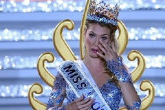 Sự thật đằng sau việc Hoa hậu Thế giới bị hắt hủi tại quê nhà