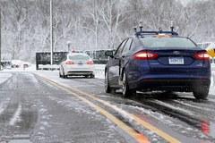 """Google, Ford đua nhau sản xuất xe tự lái """"chống lại""""... mùa đông"""