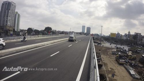 Cận cảnh đường vành đai 2 Cầu Giấy - cầu Nhật Tân trong ngày đầu thông xe kỹ thuật