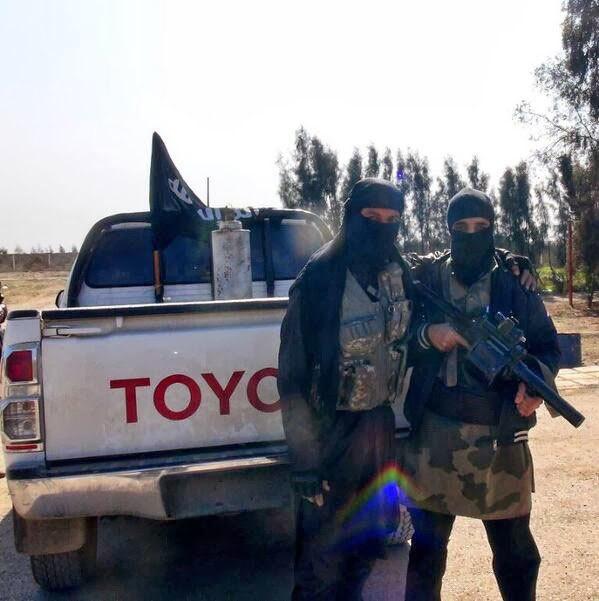 Tiết lộ kho vũ khí đạn dược cực 'khủng' của IS
