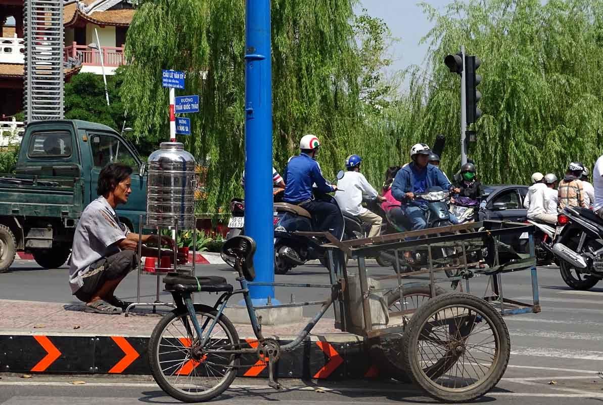 Những 'món quà' miễn phí đầy tình người ở Sài Gòn