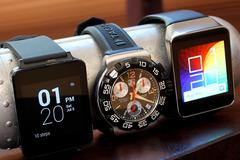 """Liệu smartwatch có """"giết chết"""" đồng hồ truyền thống?"""