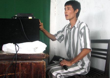Câu chuyện bi thương khi ở tù của Chánh Tín, Thương Tín