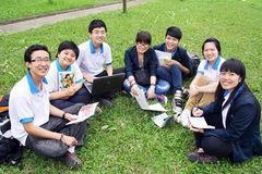 Hai ĐH đẳng cấp quốc tế công bố học bổng sau đại học