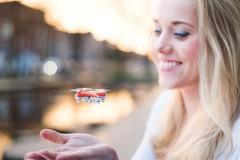 Ra mắt flycam nhỏ nhất thế giới, giá 69 USD