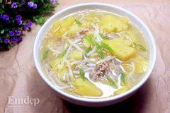 Canh chua thịt băm nấu dứa chống ngán ngày Tết