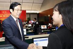 Bộ trưởng Nguyễn Bắc Son thăm báo chí đưa tin Đại hội