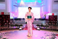 Bí quyết giữ làn da tươi trẻ của Hoa hậu Lan Khuê