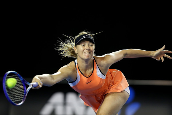 Sharapova & Nishikori nhọc nhằn vào vòng 4