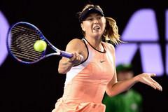 Pha tấn công của Sharapova khiến đối thủ xin hàng