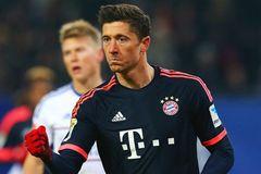 "Lewandowski giúp ""Hùm xám"" gầm vang trước Hamburg"