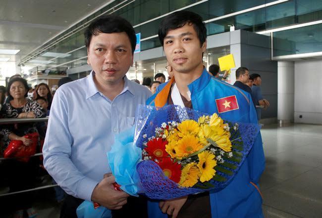 Công Phượng được chào đón khi trở về Việt Nam