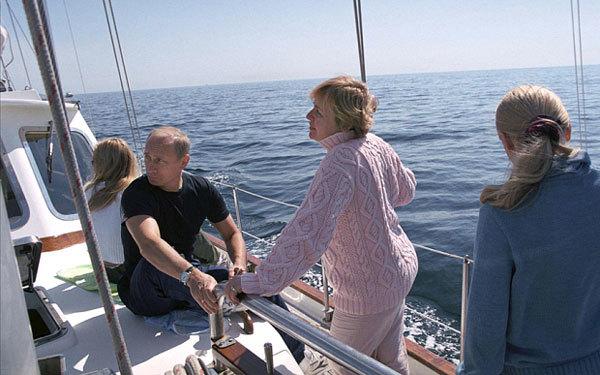 Thực hư tin đồn Putin được Abramovich tặng siêu du thuyền