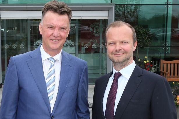 Mặc dư luận, sếp lớn M.U không đuổi Van Gaal