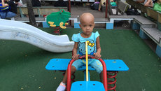 Thương cô bé dân tộc Khmer mắc bệnh hiểm nghèo