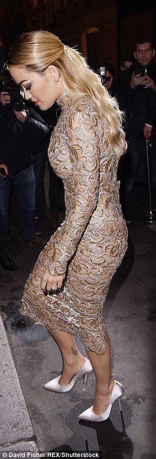 Rita Ora, người đẹp chuộng khoe da thịt