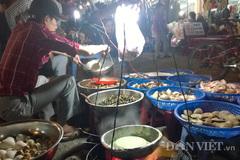 """Quán ốc gánh """"đặc trưng"""" ở chợ đêm Đà Lạt"""