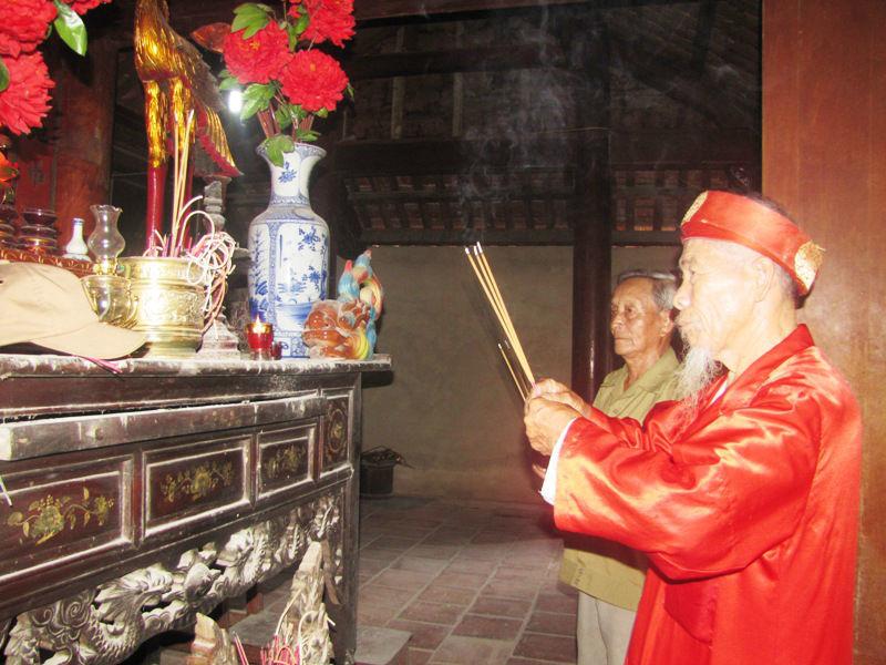 canh giữ bảo vật, vua Hàm Nghi, xã Phú Gia, đền Trầm Lâm, cứu vua