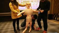 Tặng búp bê tình dục làm quà Tết cho nhân viên