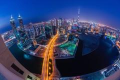 Dubai về đêm như thành phố trong phim viễn tưởng