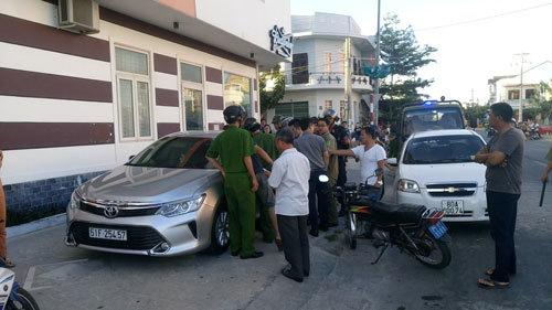 'Chồng trẻ' Phi Thanh Vân nói gì về vụ rút súng dọa bắn người