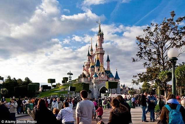 đối tượng, cầm súng, dao, giết người, tàn sát, Disneyland
