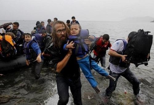 Lật thuyền chở người di cư, 40 người chết đuối