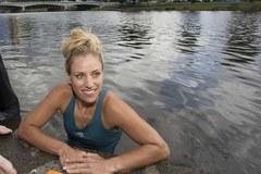 Vừa giành Grand Slam, Kerber lao xuống sông hạ hỏa