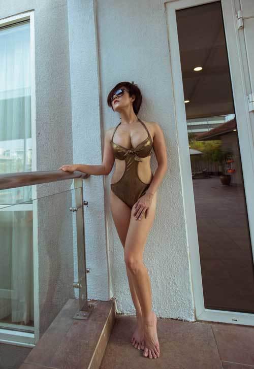 Hành trình 'lột xác' thành người mẫu ảnh nude của cô gái béo mập
